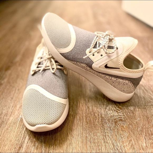 White Womens Nike Tennis Shoes | Poshmark